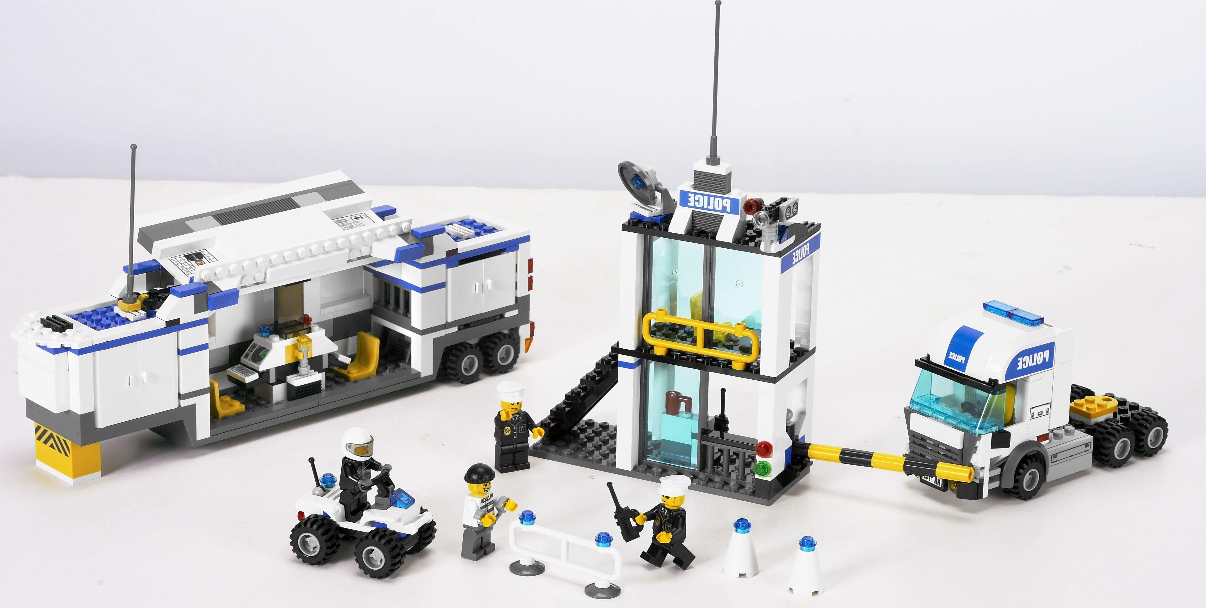 Lego 7743 police command center i brick city - Lego camion de police ...